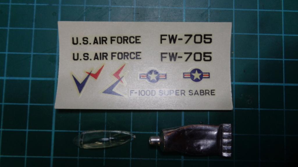 [OTAKI] NORTH AMERICAN F-100 D SUPER SABRE Réf A2 1/144ème Dsc05723