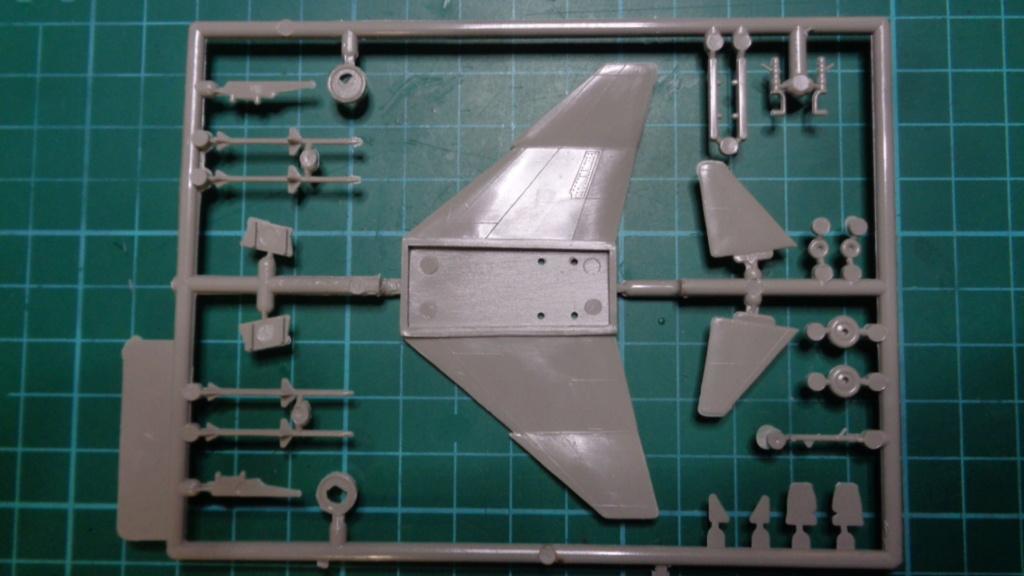 McDonnell Douglas F-4 B Phantom II Otaki 1/144 Dsc05726