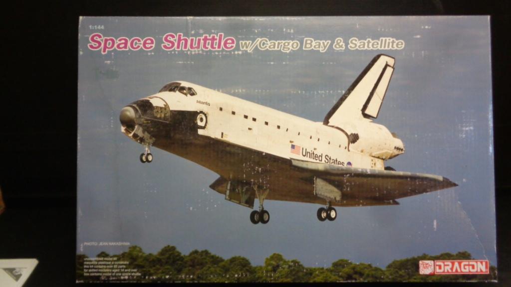 [DRAGON] Navette Spatial avec soute et satellite Réf  11004 1/144ème Dsc05746