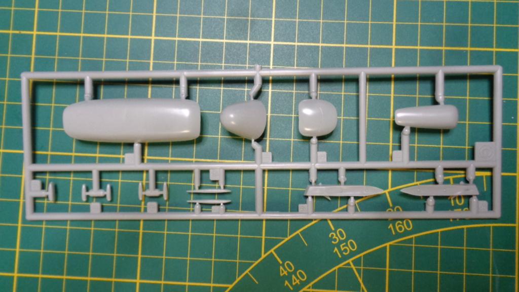 Academy Boeing B 47 B, E & RB 47 H 1/144 Ref: 12618 Dsc05852