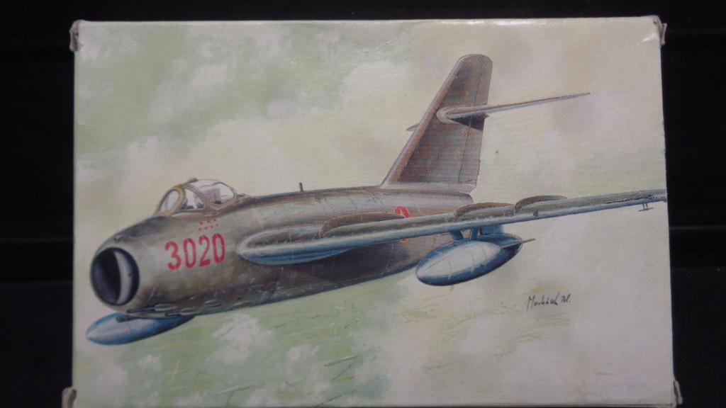 MIG 17 F  Attack Hobby Kits (Jach) 1/144 Dsc07546