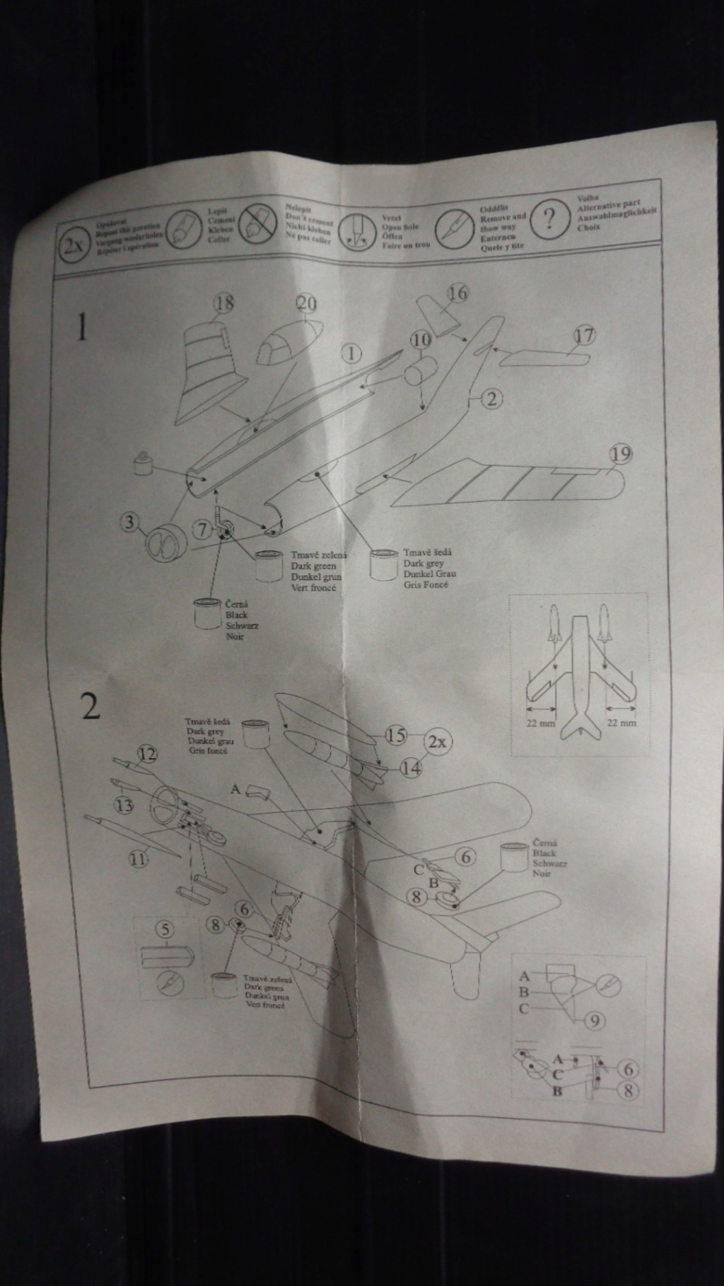 MIG 17 F  Attack Hobby Kits (Jach) 1/144 Dsc07548