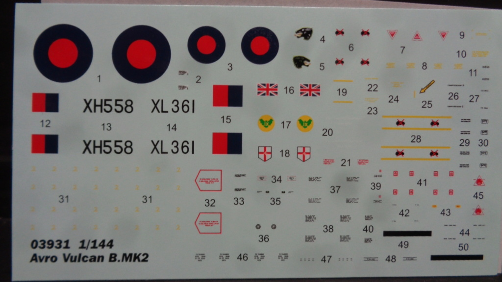 AVRO VULCAN B MK II Trumpeter 1/144 Dsc07611
