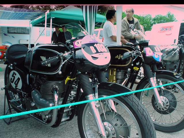 les coupes MOTOLÉGENDES .... Dsc02413