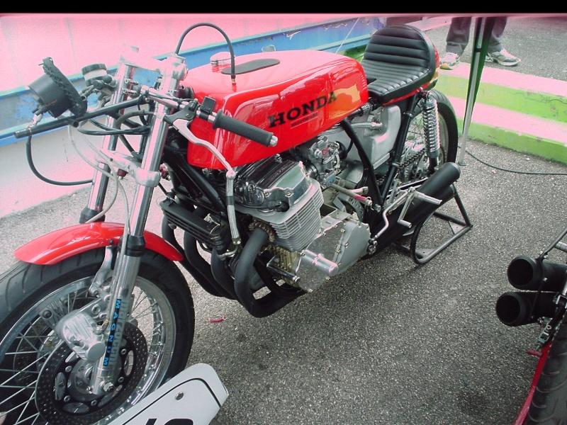 les coupes MOTOLÉGENDES .... Dsc02430