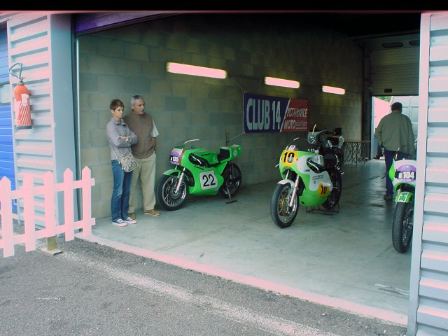 les coupes MOTOLÉGENDES .... Dsc02435