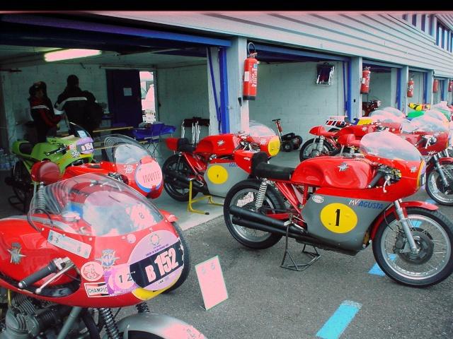 les coupes MOTOLÉGENDES .... Dsc02438