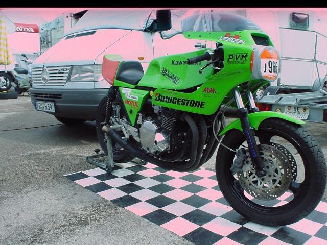 les coupes MOTOLÉGENDES .... Dsc02444
