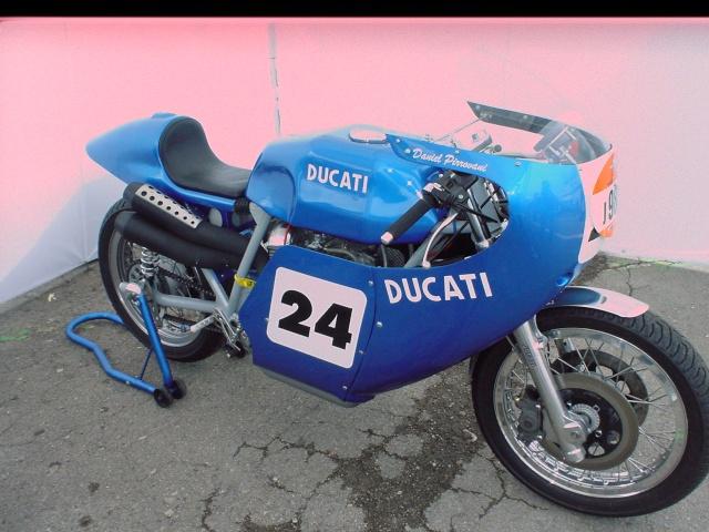 les coupes MOTOLÉGENDES .... Dsc02448