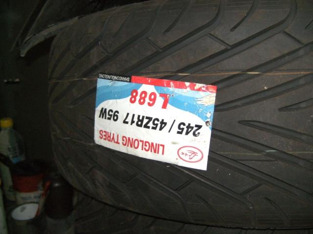 Pieces neuves et ocasse, pneus, verrin pneumatique etc..... Bild0018