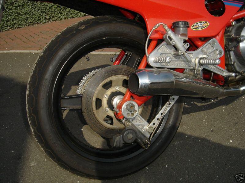 toutes docs ou photo de moto Harris Harris15