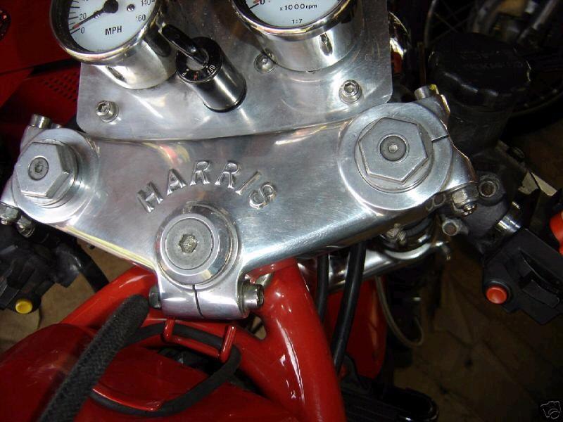 toutes docs ou photo de moto Harris Harris17