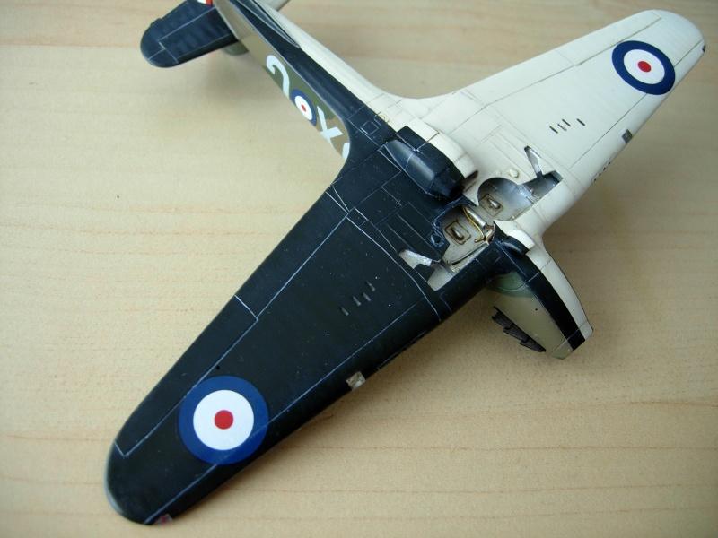 [Academy] Hawker Hurricane MK.IIc Dscn0112