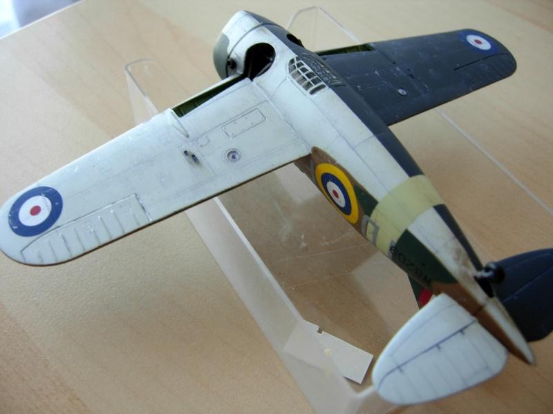 [Academy] Hawker Hurricane MK.IIc Dscn5314