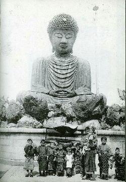 Les statues de Bouddha découvertes dans Google Earth - Page 7 Hyougo10