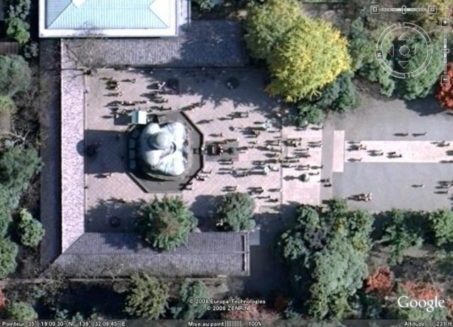 Les statues de Bouddha découvertes dans Google Earth - Page 7 Kamaku10