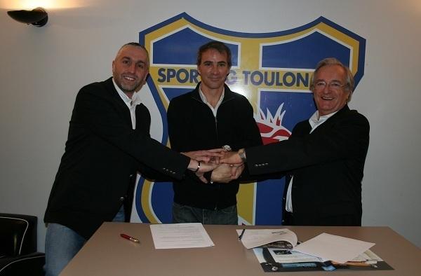 Partenariat - Le STV et FOOT83 main dans la main  36651210