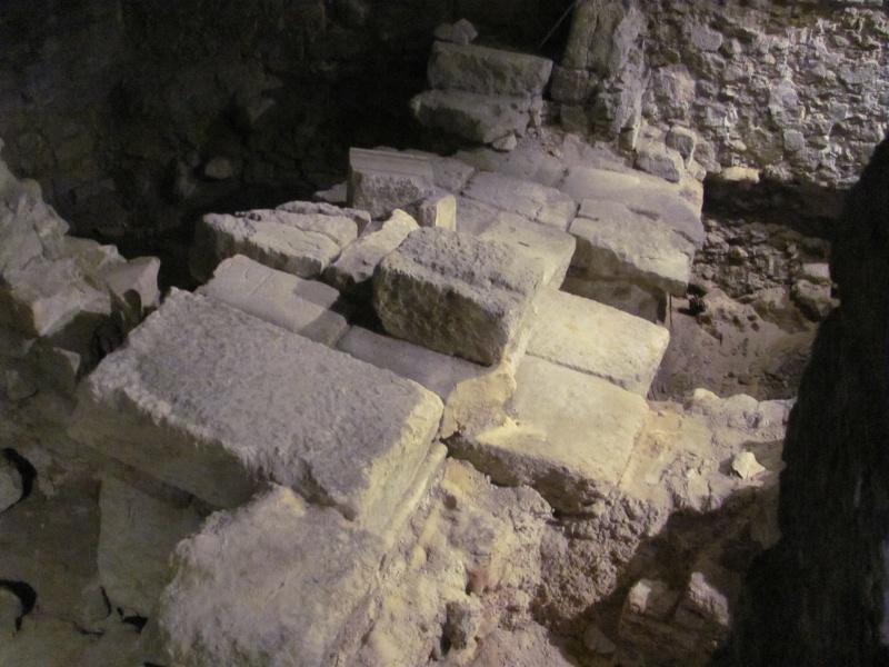Crypte archéologique Img_8611