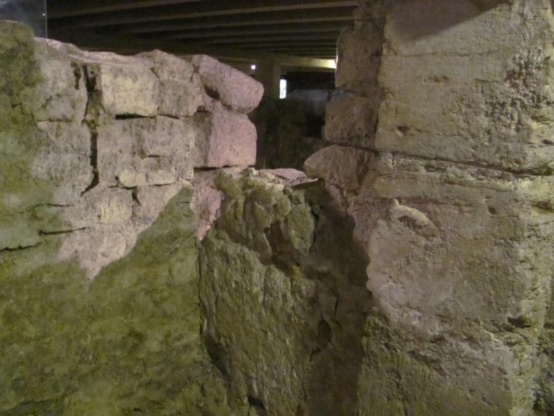 Crypte archéologique Img_8612