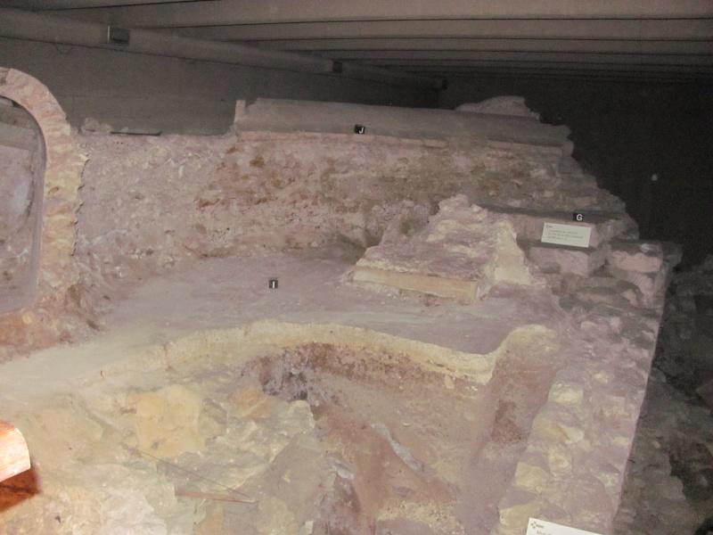 Crypte archéologique Img_8621