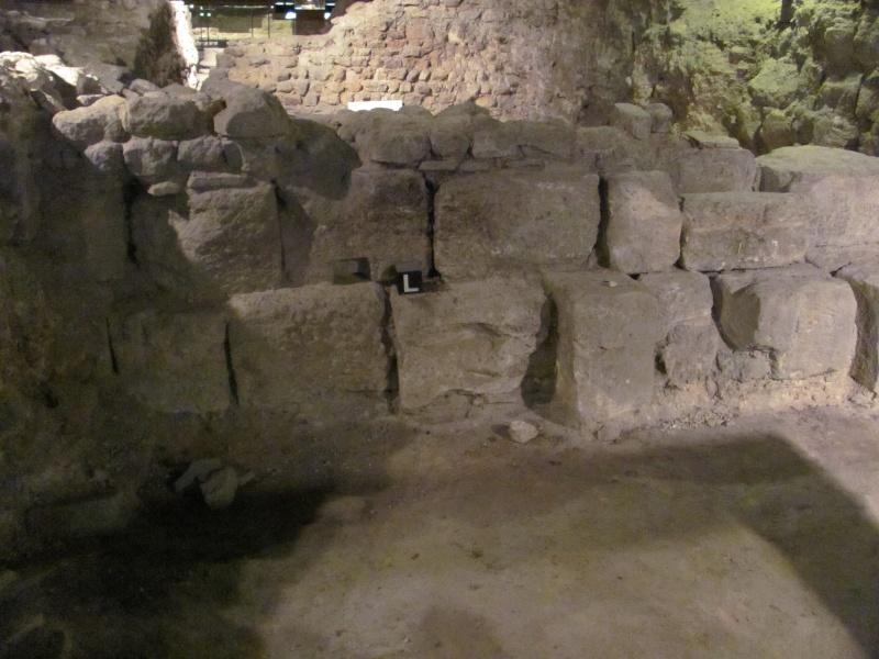 Crypte archéologique Img_8710