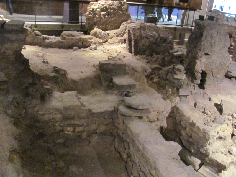 Crypte archéologique Img_8711