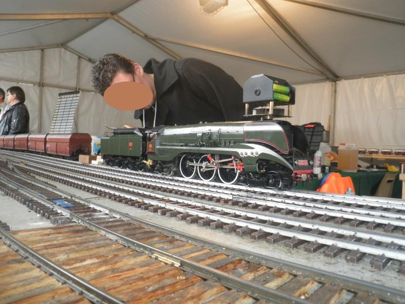 13 salon du train miniature Pb100111