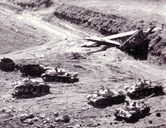 مصر ترحب بكل العرب Tanksb10