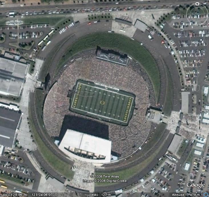 Stade de football américain plein à Eugene, Oregon - USA Stadep10