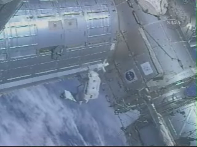 [STS124-Discovery] EVA 3 209_7336