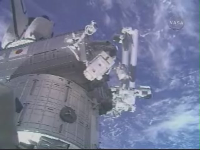 [STS124-Discovery] EVA 3 209_7337