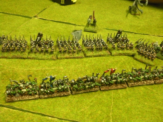 Royaume Ogre contre Elfes noirs. Dscn1417