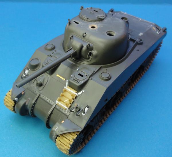 (Denis Simon) M4A4 Sherman Austerlitz - Page 2 M1210
