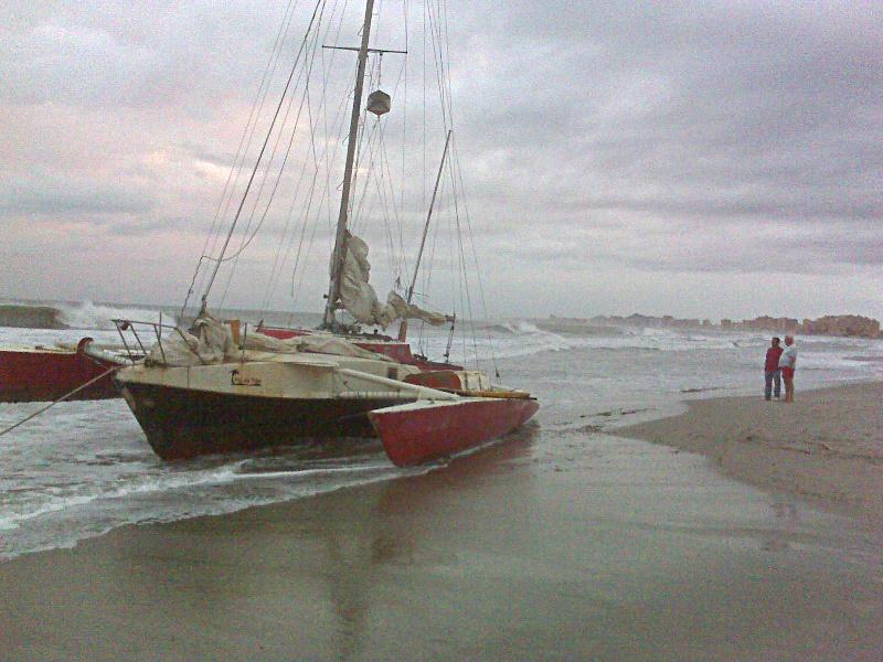 trimaran en la playa Trimar10