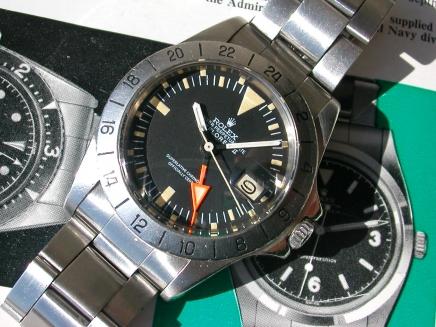 J'ai succombé car je trouve qu'elle ressemble à une Rolex Explorer II, mais ce n'en est pas une, ne vous moquez pas. 20032010