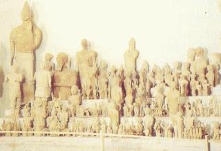 Δυο χιλιάδες πήλινα αγαλματάκια 91395714