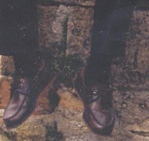 Αυτά τα παπούτσια σας μοιάζουν για άσπρα; - Σελίδα 2 91395743