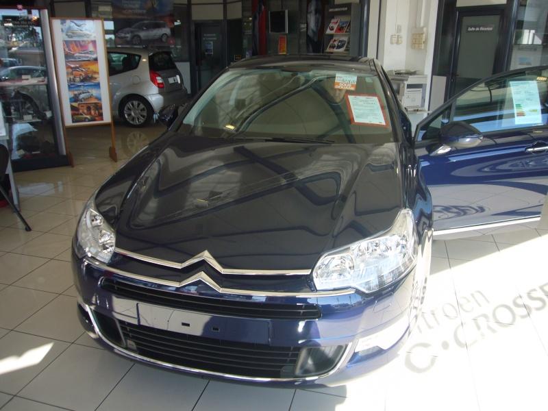[Photos] La nouvelle Citroën C5 en concession - Page 2 P1030813