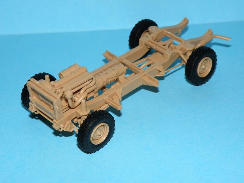 land rover RSOV hobby boss 1/35e ( Fafa )  Pc100011