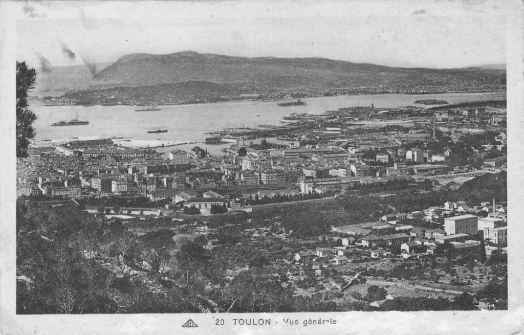 [ Les ports  militaires de métropole ] Toulon des années 30 - Page 2 Toulon17