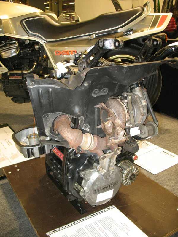 La CX 500 Turbo a 30 ans en 2012! Img_6410