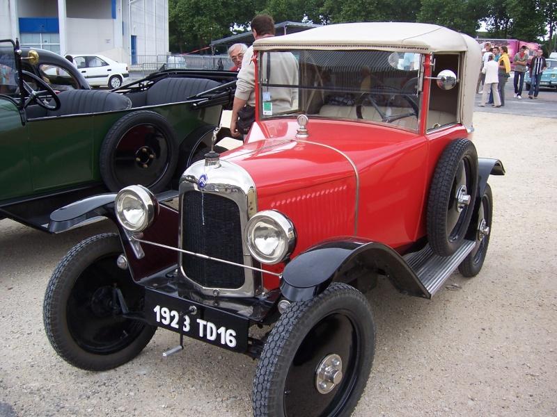 Rrassemblement de vieux véhicules à Sainte 100_1259