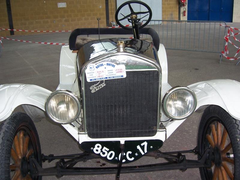 Rrassemblement de vieux véhicules à Sainte 100_1314