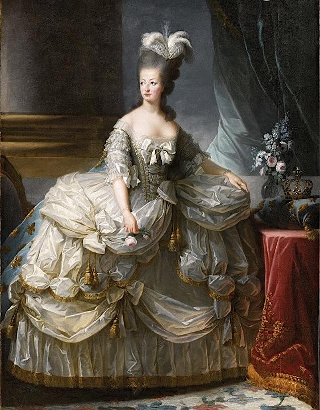 Portrait de la Reine 1778 - Page 2 52018510