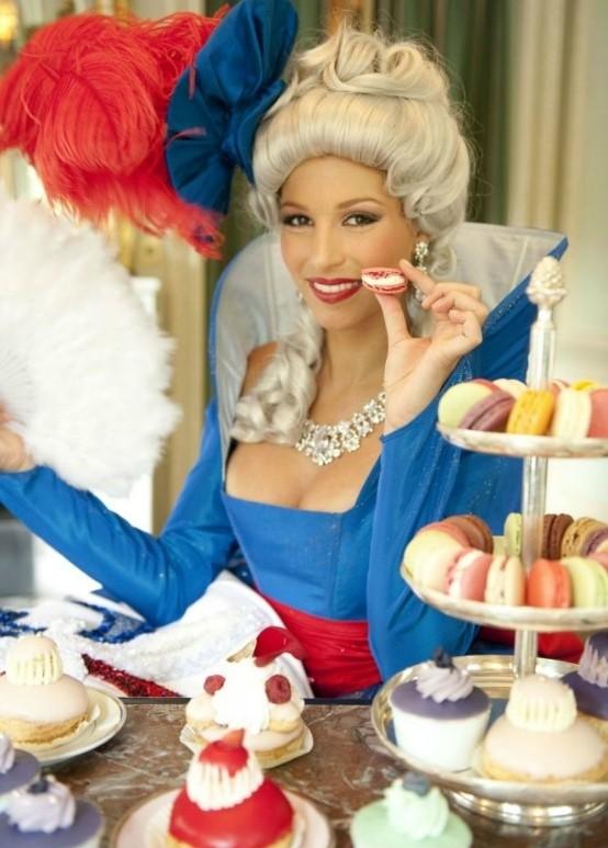 Marie-Antoinette au XXIème siècle - Page 4 Laury-10