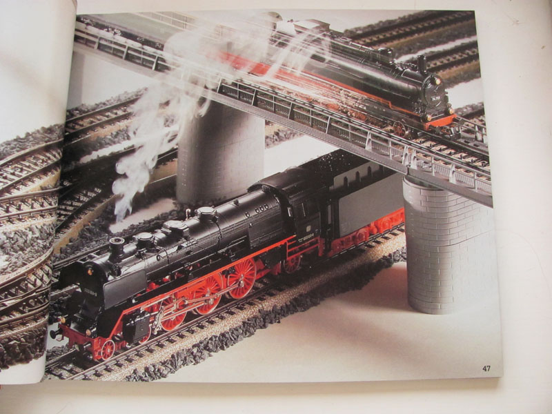 [Märklin] Catalogue 1984-1985 Img_0257