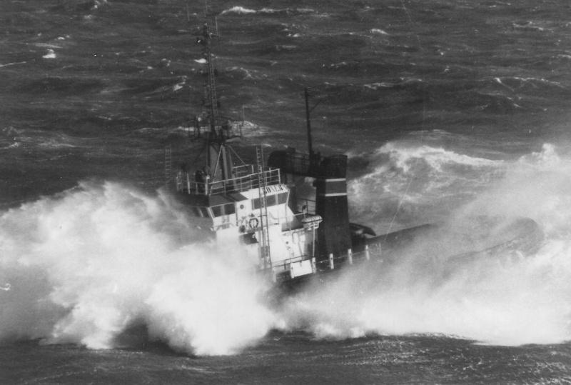 Photos d'accidents et de tempête en mer - Page 5 Boxer_10