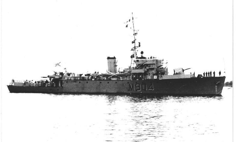 M/F 904 Debrouwer (ex HMS Spanker) - Page 2 De_bro11