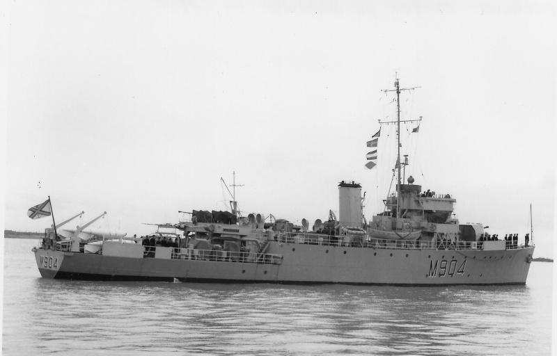 M/F 904 Debrouwer (ex HMS Spanker) - Page 3 De_bro21