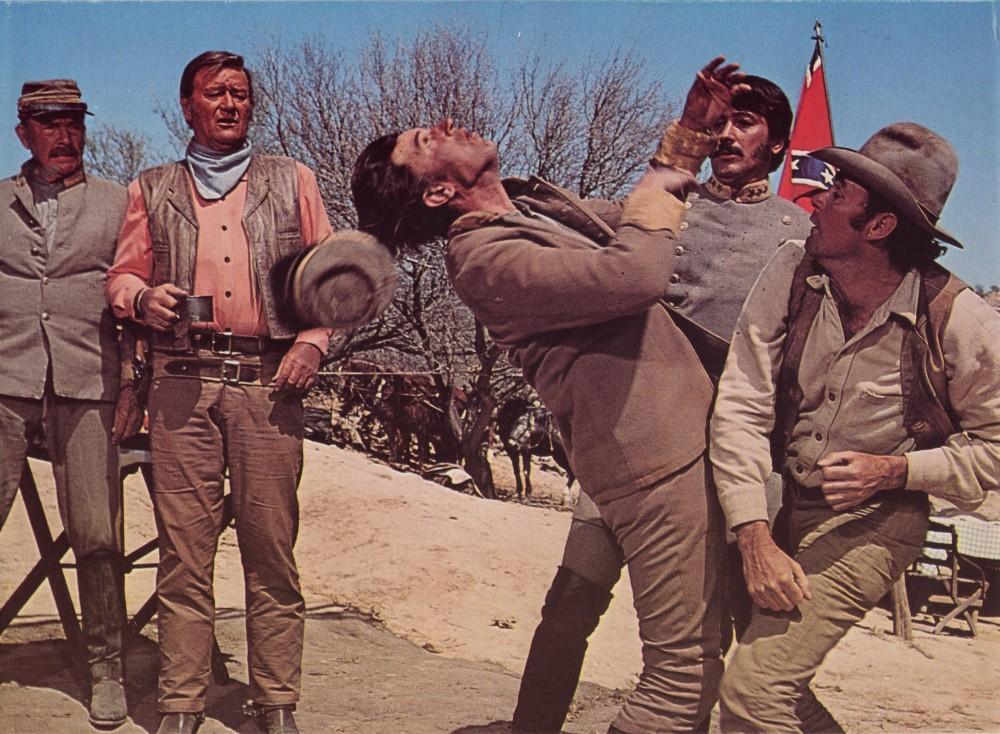Les Géants de l'Ouest - The Undefeated - 1969 A_duk512